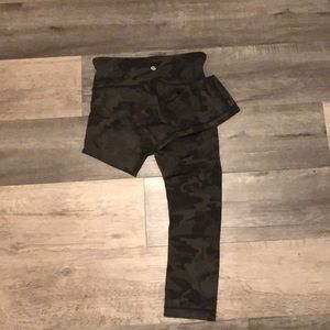Green camo Lululemon's